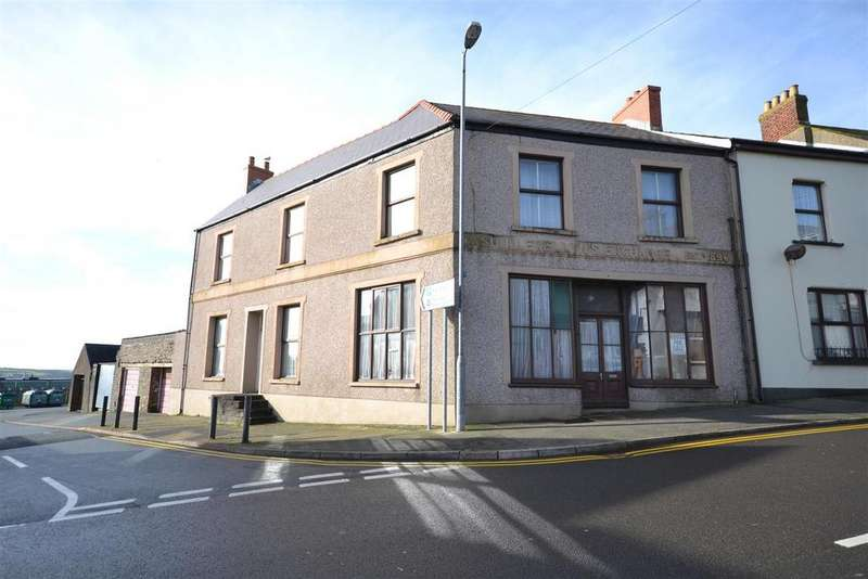 4 Bedrooms End Of Terrace House for sale in Neyland