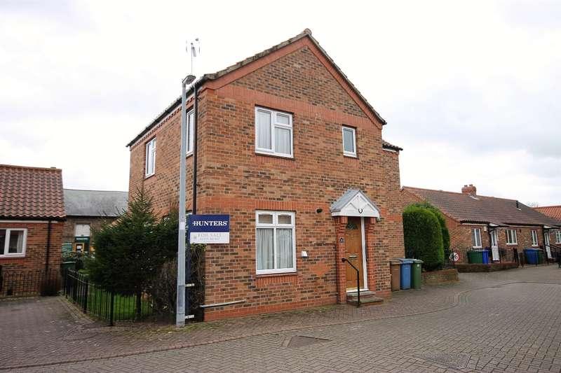 3 Bedrooms Link Detached House for sale in Stewart Court, The Balk, Pocklington, York, YO42 2ND