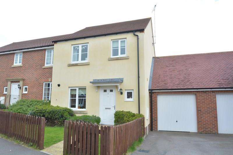 3 Bedrooms Semi Detached House for sale in Oat Road, Andover