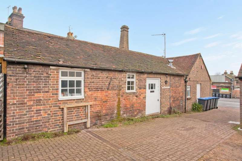 2 Bedrooms House for sale in Denmans Lane, Lindfield, RH16