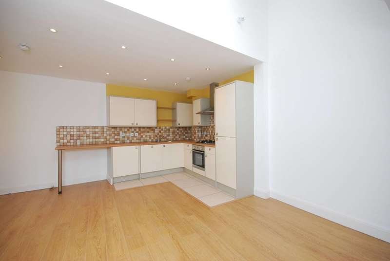 2 Bedrooms Flat for sale in Moray Mews, Finsbury Park, N7