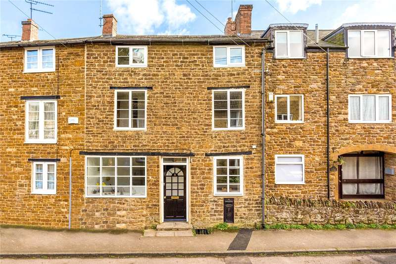 4 Bedrooms Terraced House for sale in Queen Street, Middleton Cheney, Banbury, OX17