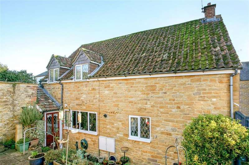 3 Bedrooms Semi Detached House for sale in Cranleigh Court, Palmer Street, South Petherton, Somerset