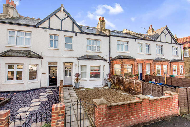 3 Bedrooms Flat for sale in Kneller Road, Whitton, Twickenham, TW2