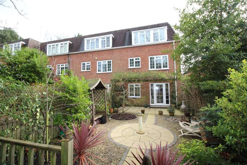 3 Bedrooms Town House for sale in Elm Gardens, Talbot Woods, Bournemouth