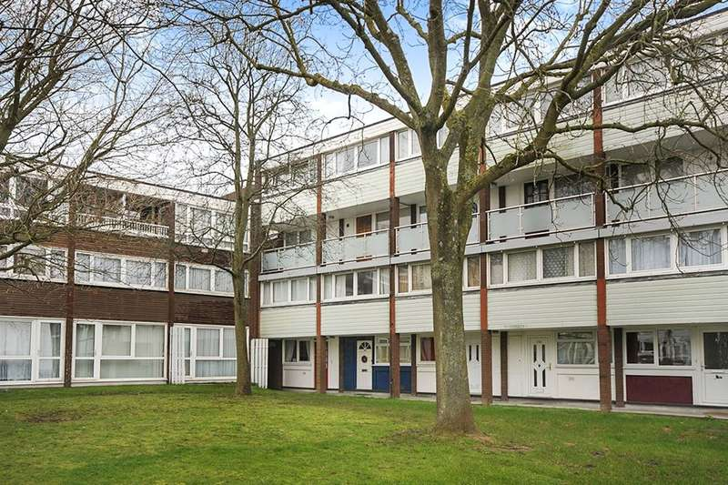 2 Bedrooms Flat for sale in Sylvan Road, London, SE19