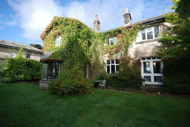 6 Bedrooms Detached House for sale in Corbar Road, Buxton