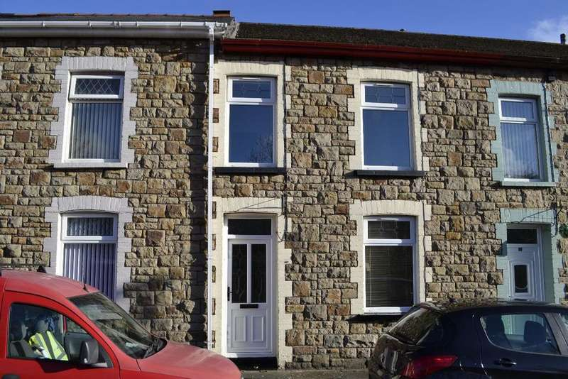 3 Bedrooms Terraced House for sale in Cwm Road
