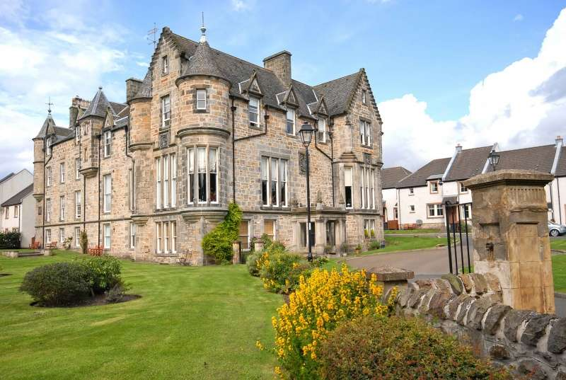 3 Bedrooms Ground Flat for sale in Craigflower Court, Torryburn, Dunfermline, Fife, KY12 8AY