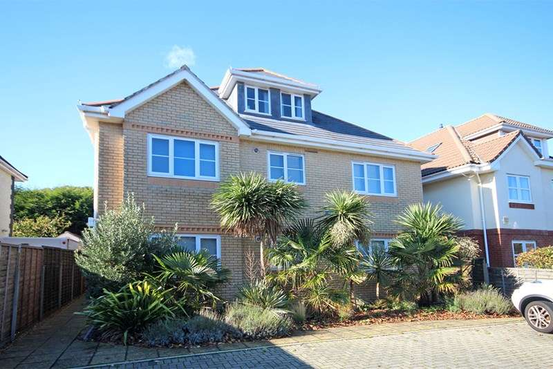 2 Bedrooms Apartment Flat for sale in Southwood Avenue, Southbourne, Bournemouth