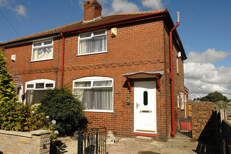 3 Bedrooms Semi Detached House for sale in 50 Williams Crescent, Chadderton