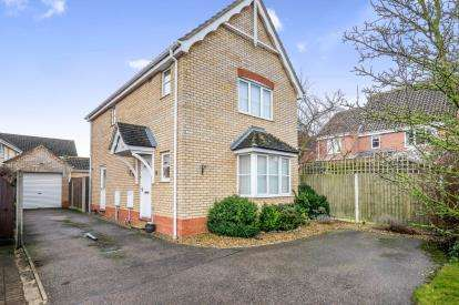 3 Bedrooms Detached House for sale in Worlingham, Beccles, Suffolk
