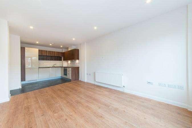 1 Bedroom Flat for sale in Vandervell Court, Larden Road, Acton