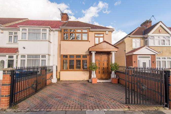 3 Bedrooms End Of Terrace House for sale in Portland Crescent, Greenford
