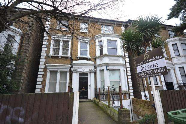 1 Bedroom Flat for sale in Christchurch Road, London, SW2
