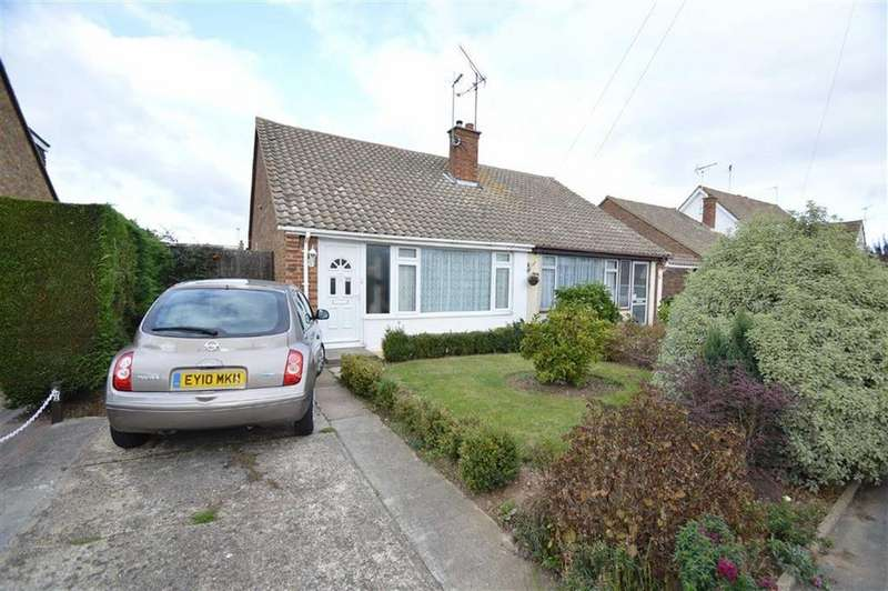 2 Bedrooms Semi Detached Bungalow for sale in Marshalls, Rochford