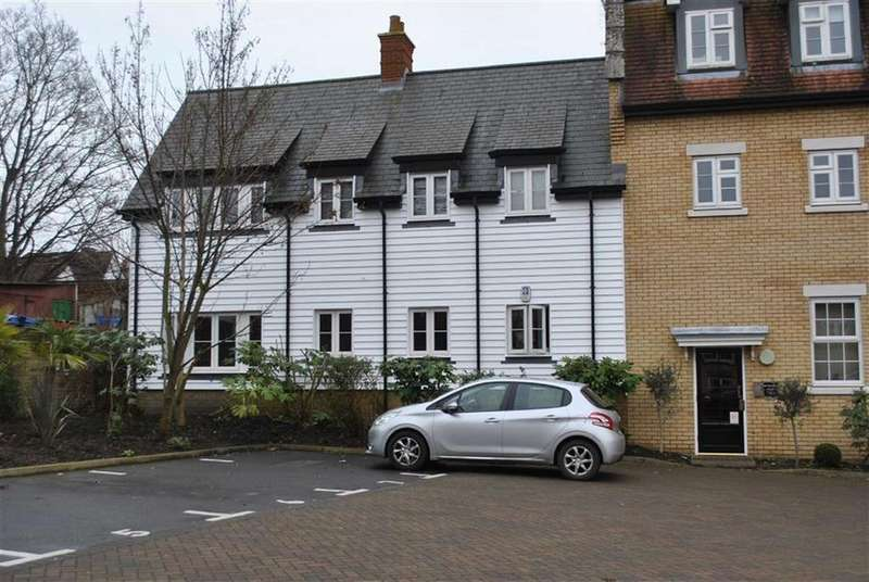 2 Bedrooms Apartment Flat for sale in Rocheforte House, Rochford, Essex