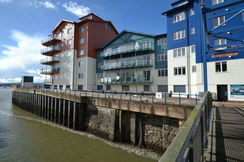 2 Bedrooms Flat for sale in EXMOUTH MARINA, NR EXETER, DEVON