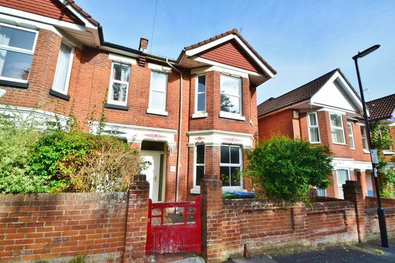 3 Bedrooms Semi Detached House for sale in Highfield