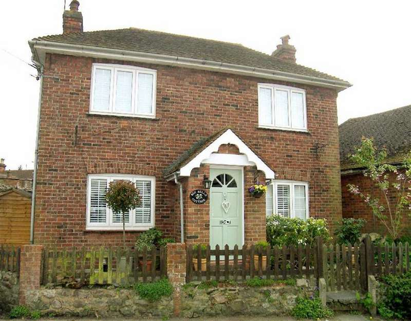3 Bedrooms Detached House for sale in Church Road, Seal, TN15