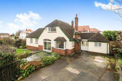 4 Bedrooms Detached House for sale in Hesketh Road, Old Colwyn, Colwyn Bay, Conwy, LL29