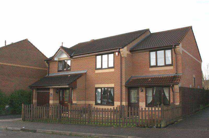 5 Bedrooms Detached House for sale in Naishes Avenue, Peasedown St John, BATH