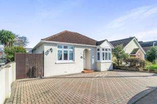 3 Bedrooms Bungalow for sale in Wises Lane, Sittingbourne, Kent