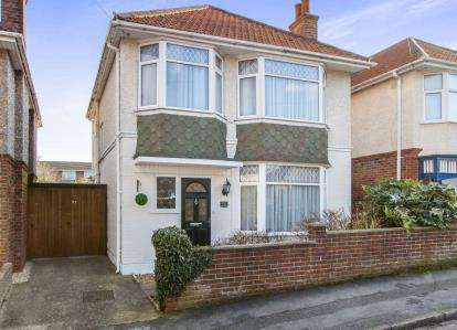 3 Bedrooms Detached House for sale in Bournemouth, Dorset, England