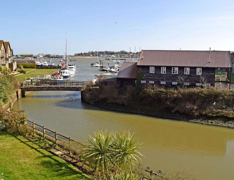 4 Bedrooms Terraced House for sale in Yar Quay, Latimer Road, St. Helens, Isle of Wight, PO33 1XL