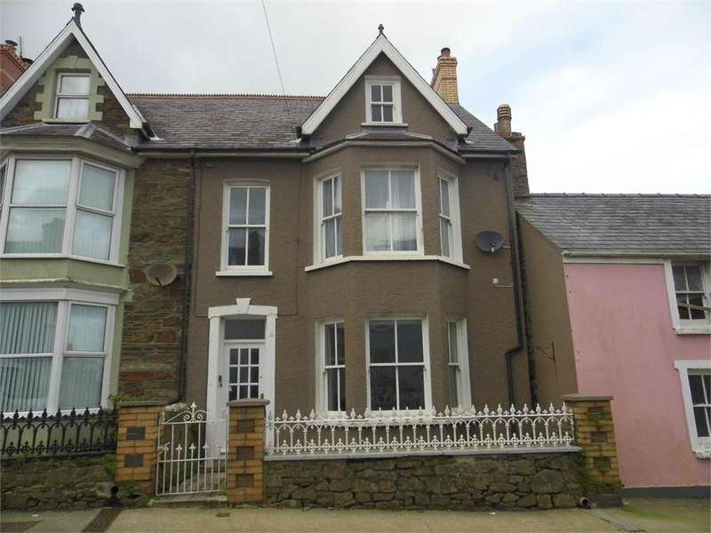 6 Bedrooms End Of Terrace House for sale in 54 High Street, Fishguard, Pembrokeshire