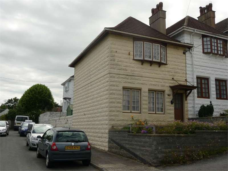 3 Bedrooms Terraced House for sale in 32 St Davids Place, Goodwick, Pembrokeshire