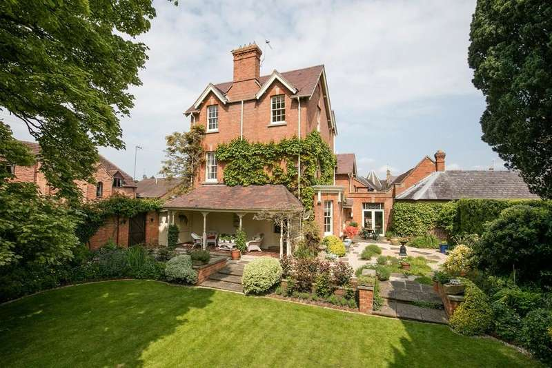 5 Bedrooms Town House for sale in Old Road, Shipston On Stour