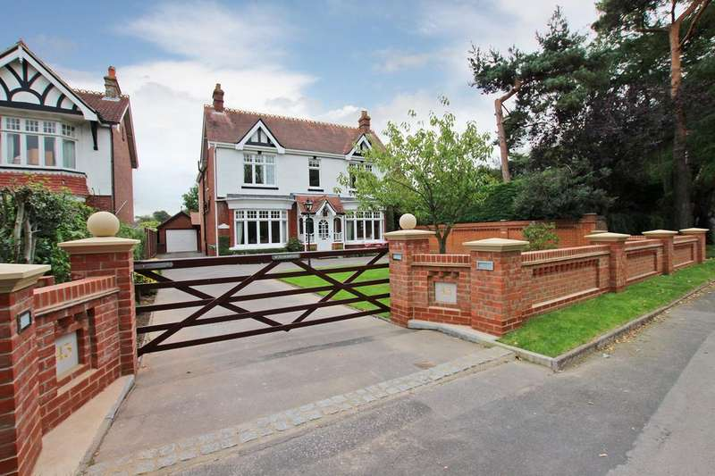 5 Bedrooms Detached House for sale in Havant
