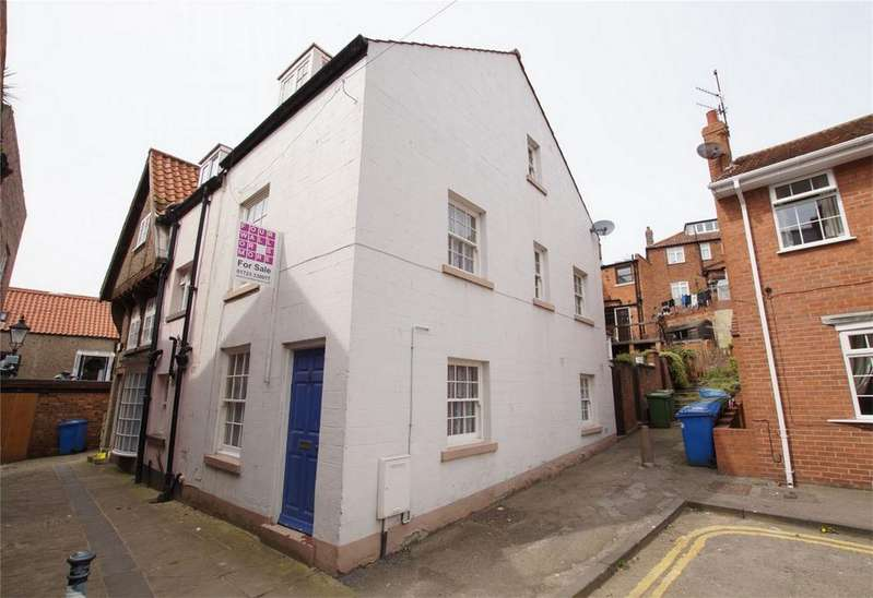3 Bedrooms Semi Detached House for sale in Quay Street, Old Town, Scarborough