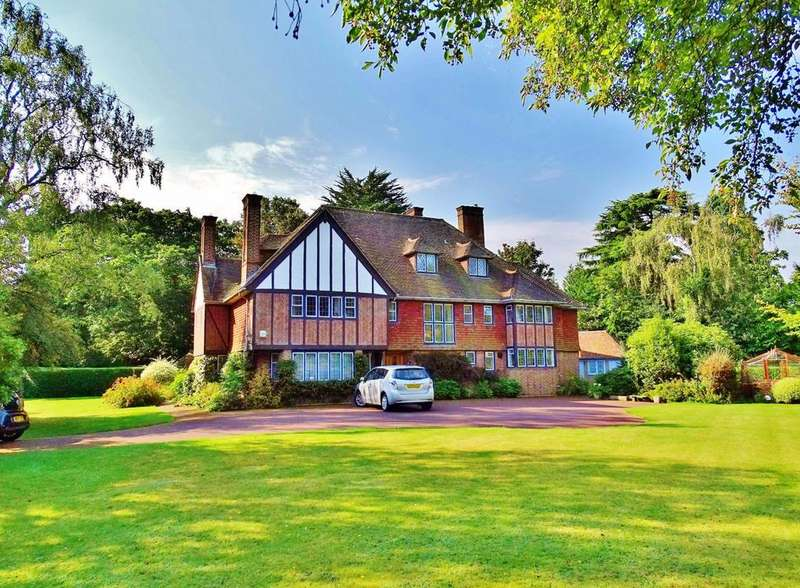 9 Bedrooms Detached House for sale in Chilworth, Southampton