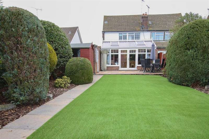 4 Bedrooms Semi Detached House for sale in Doddinghust