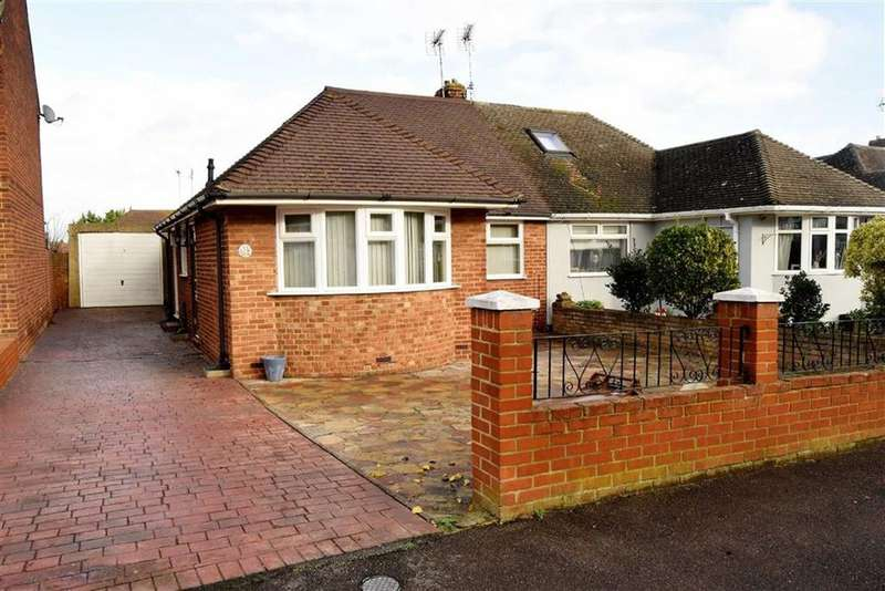 1 Bedroom Semi Detached Bungalow for sale in Wooldeys Road, Rainham, Kent, ME8