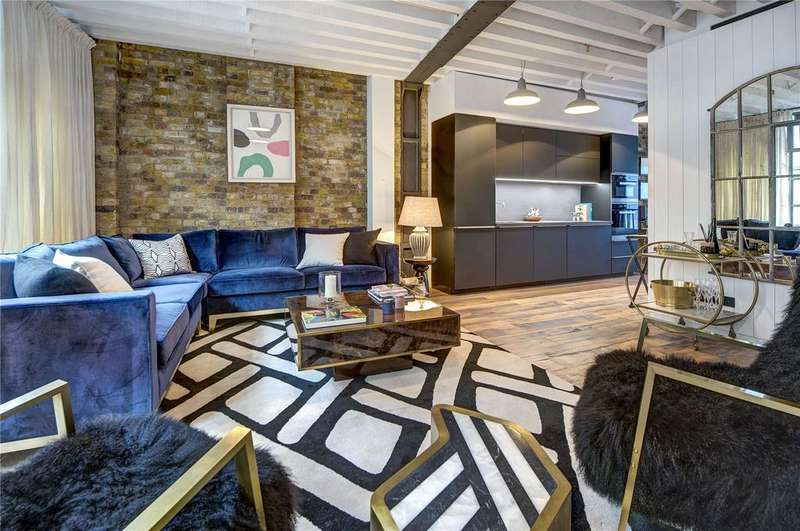 2 Bedrooms Apartment Flat for sale in Wardour Street, Soho, W1F