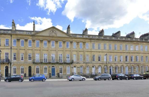 3 Bedrooms Maisonette Flat for sale in Garden Maisonette, 60 Great Pulteney Street, Bath