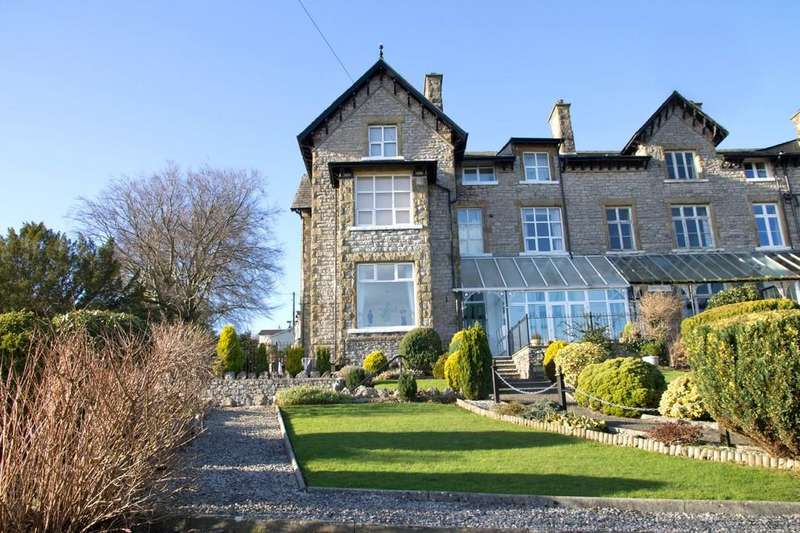 2 Bedrooms Apartment Flat for sale in 3 Craiglands, Methven Terrace, Grange-over-Sands, Cumbria, LA11 7DP