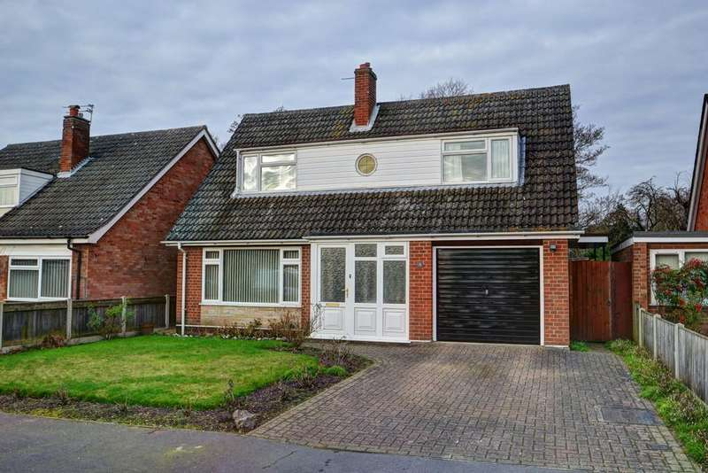 3 Bedrooms Chalet House for sale in Higham Close, Norwich, Norfolk