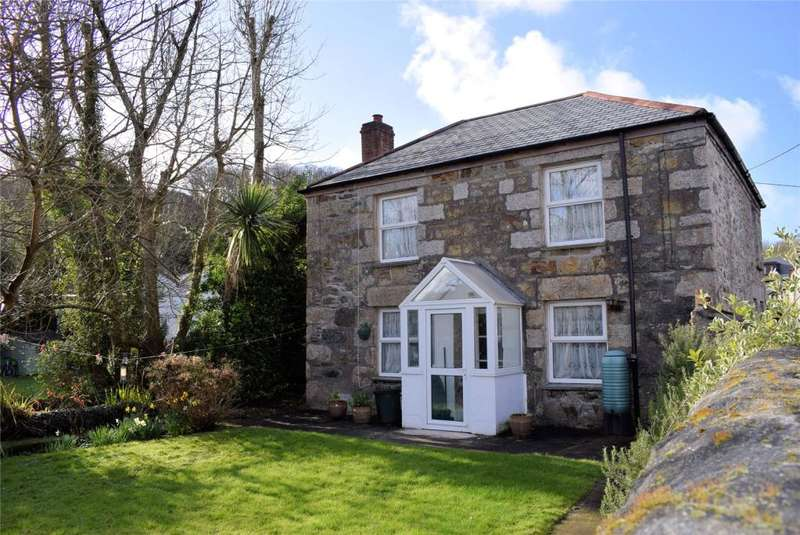 3 Bedrooms Detached House for sale in St Johns Road, HELSTON