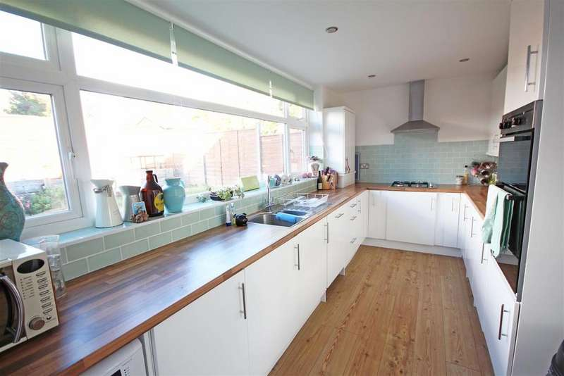 2 Bedrooms Terraced House for sale in Tangmere Road, Patcham, Brighton