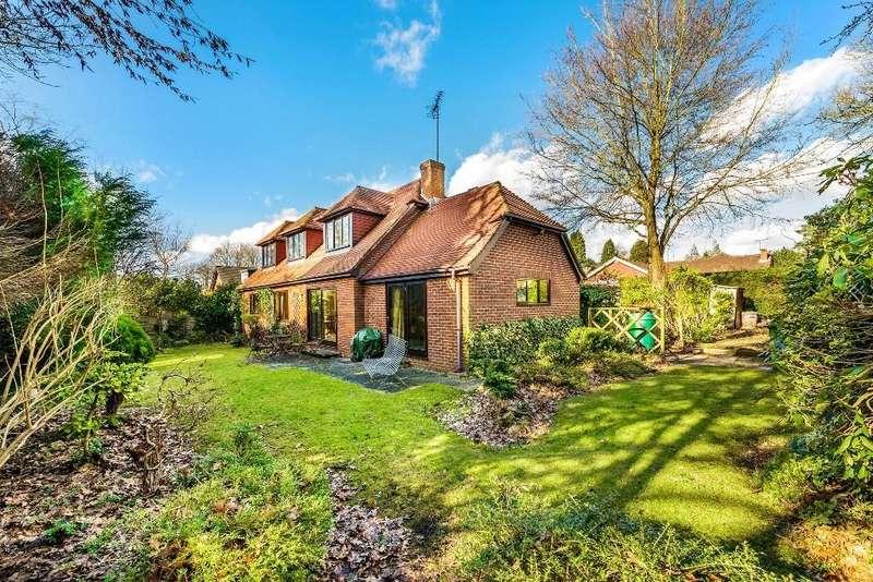 3 Bedrooms Detached House for sale in Furze Hill Road, Headley Down, GU35