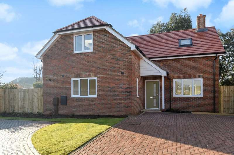 4 Bedrooms Detached House for sale in Renoir Mews, Bersted, Bognor Regis, PO22