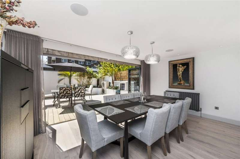 5 Bedrooms House for sale in Middle Field, St. John's Wood, London