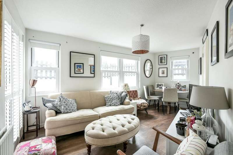 1 Bedroom Flat for sale in St. Gothard Road, West Norwood, SE27