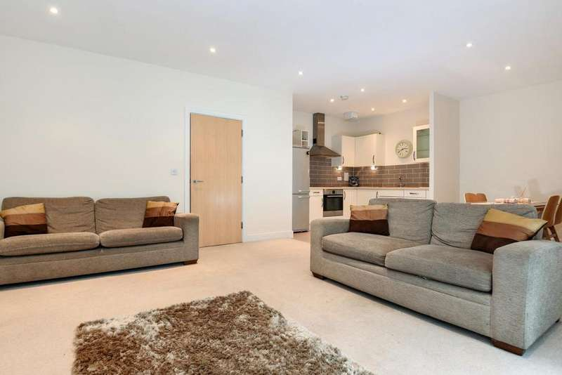 1 Bedroom Flat for sale in Desvignes Drive, Hither Green, SE13