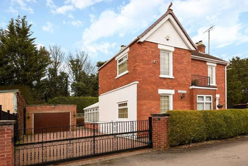 3 Bedrooms Detached House for sale in Hucclecote
