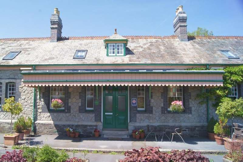 2 Bedrooms House for sale in Tavistock